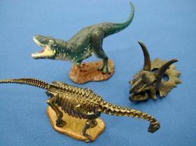 恐竜フィギュア.jpg